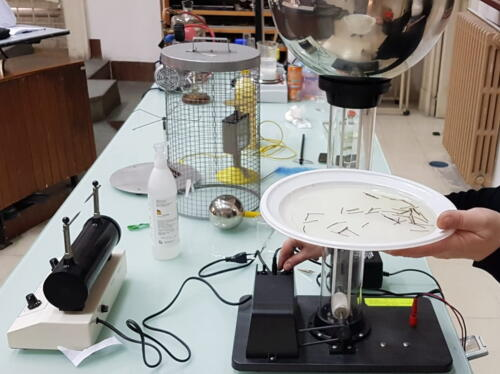 Laboratori di Fisica e Chimica 2ªA-CMB (27/4/2021)
